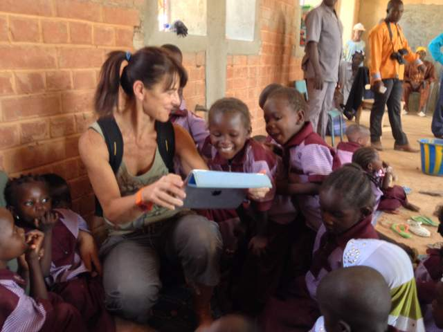 bambini interessati alla tecnologia ...